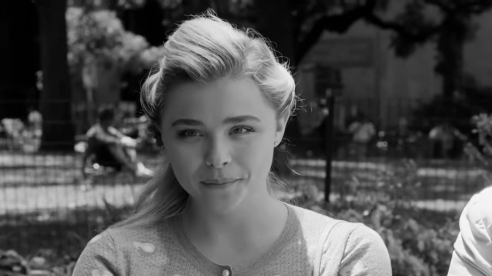 Chloë Grace Moretz gaat met John Malkovich in 'I Love You, Daddy' trailer