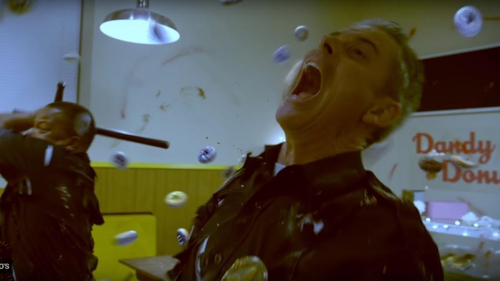 Donuts met tanden in trailer 'Attack of the Killer Donuts'