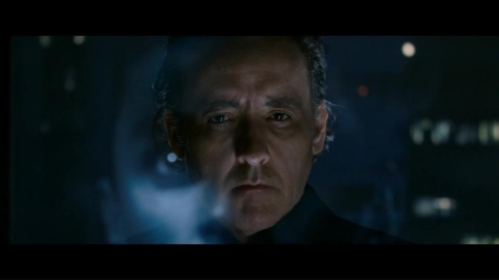 John Cusack en mensen dodende robots in trailer sci-fi 'Singularity'