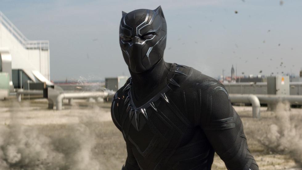 'Black Panther' slaat zijn klauwen uit op nieuwe (Japanse) poster
