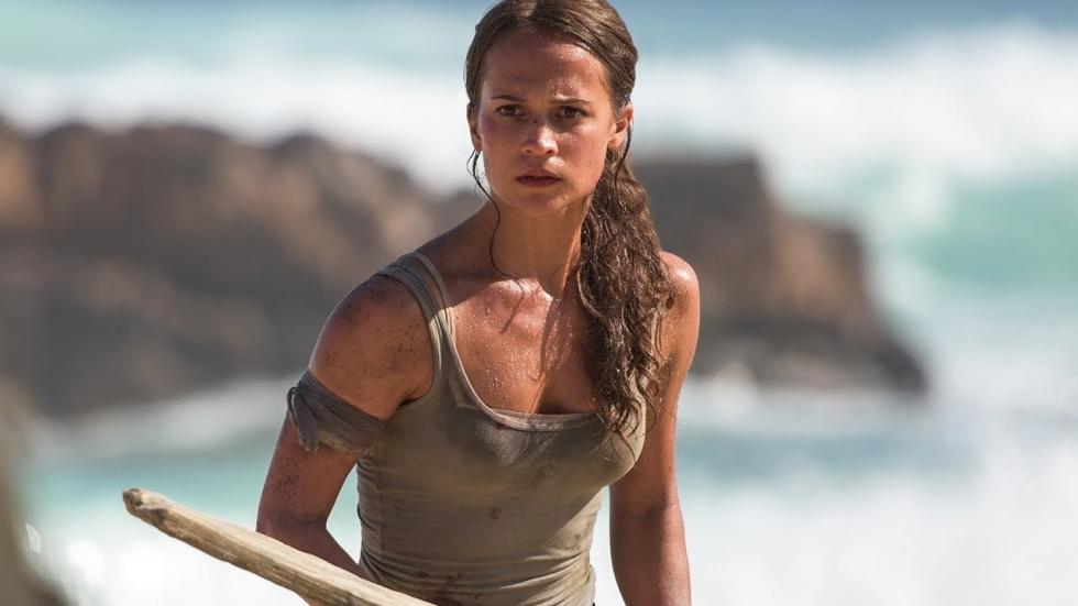 Alicia Vikander staat haar mannetje op nieuwe poster 'Tomb Raider'