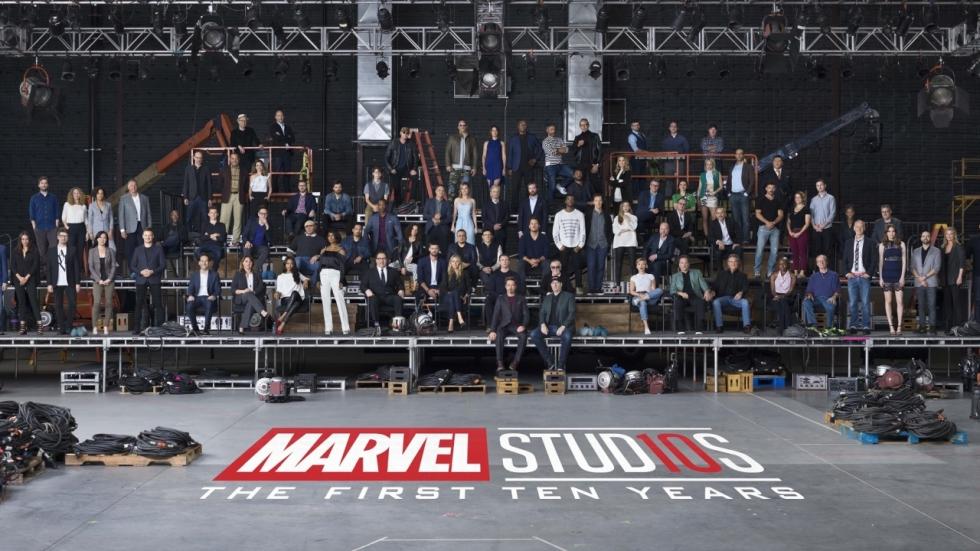 Indrukwekkende groepsfoto van Marvel Cinematic Universe cast en crew!