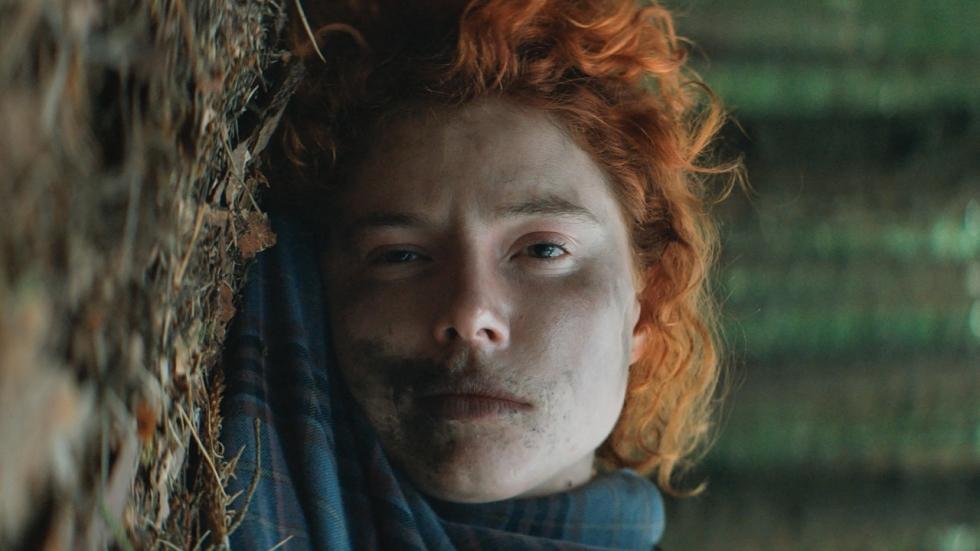 Liefde voor een mogelijke seriemoordenaar in trailer thriller 'Beast'