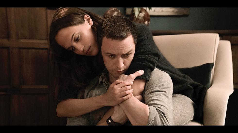 Nieuwe trailer thriller 'Submergence' met Alcia Vikander en James McAvoy