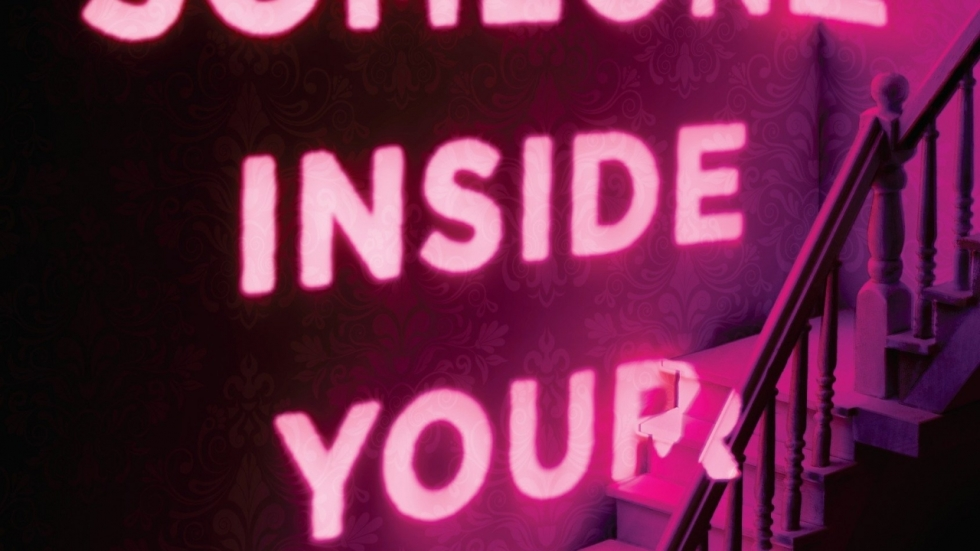 Netflix & James Wan maken slasher 'There's Someone Inside Your House'