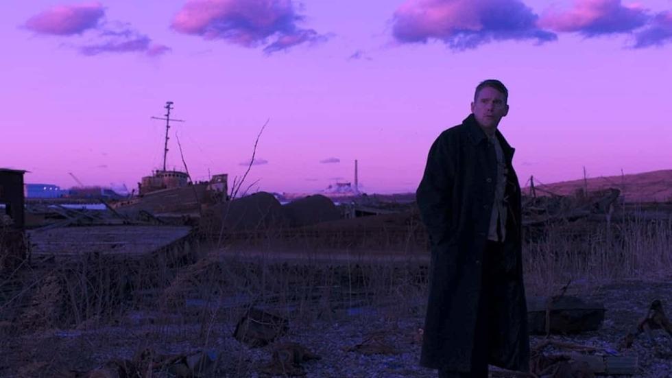 Ethan Hawke in eerste trailer kritisch bejubelde film 'First Reformed'