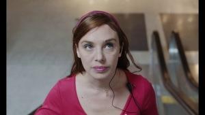 Jeune femme (2017) video/trailer