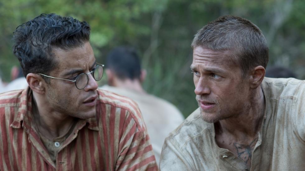 Charlie Hunnam & Rami Malek ontsnappen uit gevangenis in trailer 'Papillon'