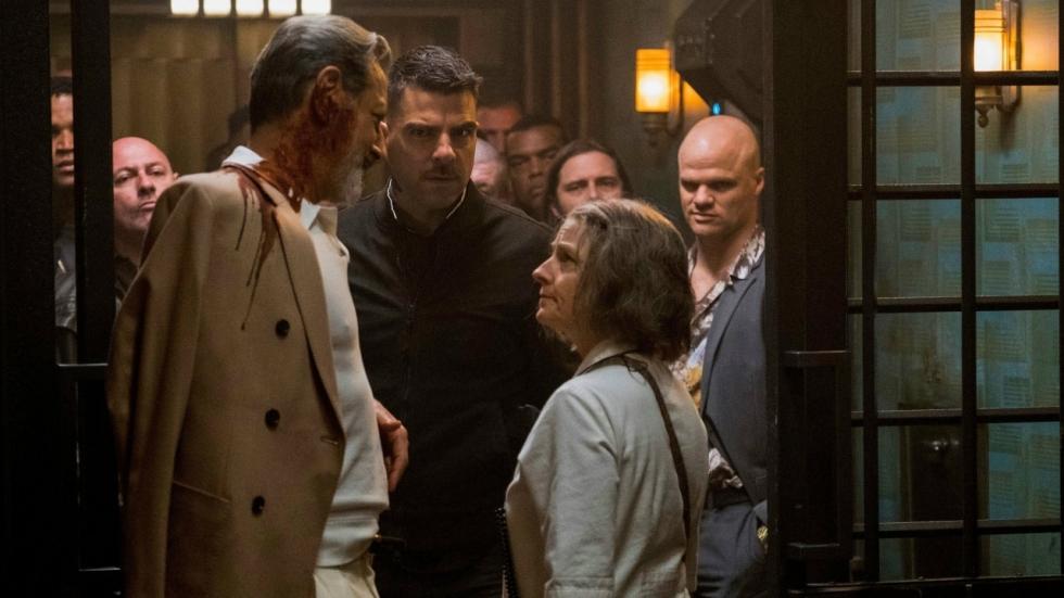 Jodie Foster staat haar mannetje in clip 'Hotel Artemis'