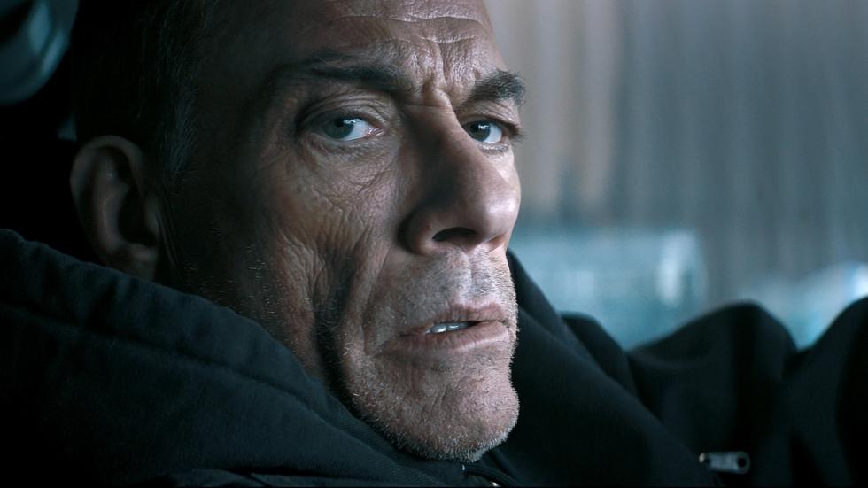 Twee trailers voor de nieuwe Van Damme, 'The Bouncer'