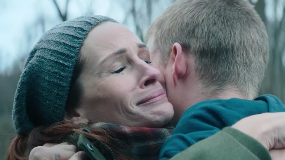 Julia Roberts ziet eindelijk haar zoon weer in trailer 'Ben Is Back'