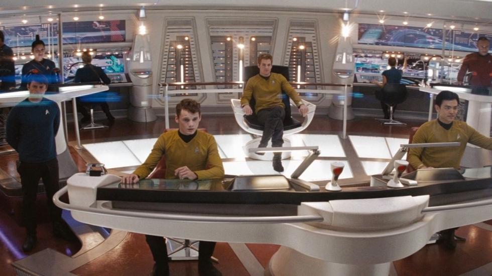 Cast onderhandelt nu mogelijk voor nog twee 'Star Trek'-films