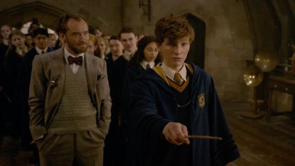 Fantastic Beasts: The Crimes of Grindelwald - featurette: return to hogwarts