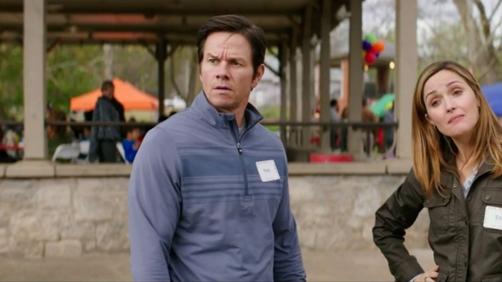 Mark Wahlberg adopteert erop los in trailer 'Instant Family'