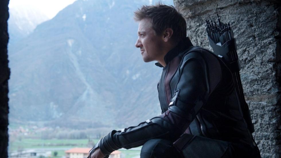Hawkeye bont en blauw op foto 'Avengers 4'