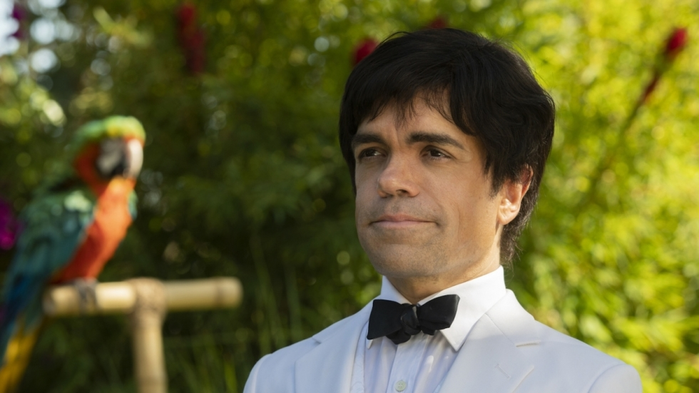 Peter Dinklage schittert in trailer 'My Dinner with Hervé'