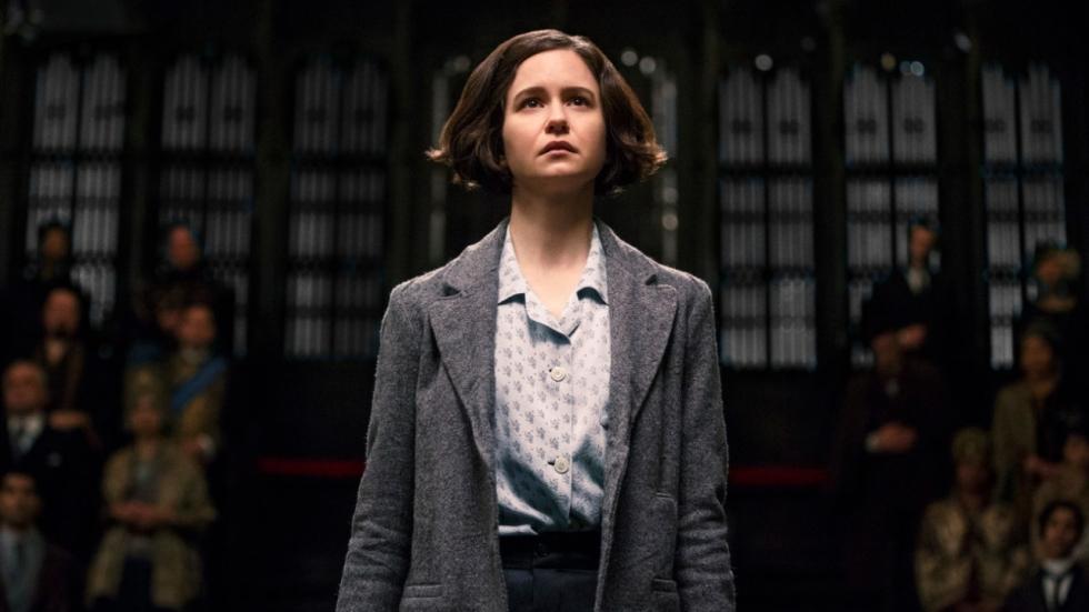 'Fantastic Beasts'-actrice Katherine Waterston is zwanger van een dreuzel!