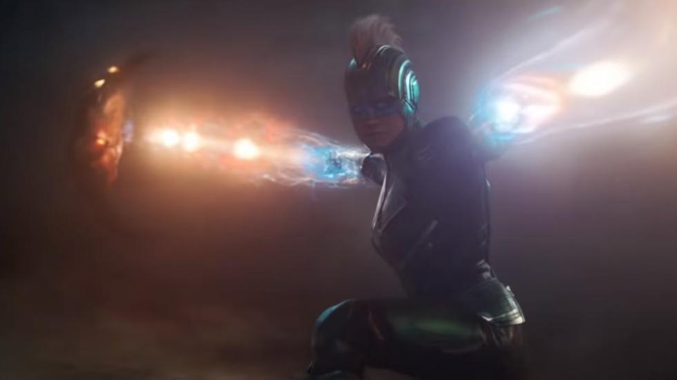 Gave poster 'Captain Marvel'