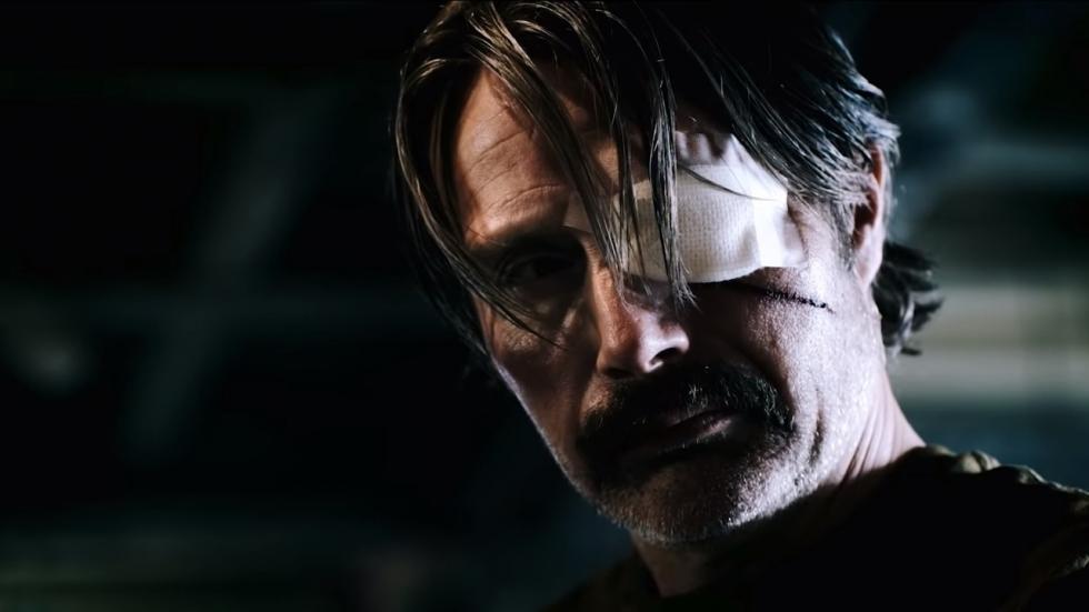Mads Mikkelsen moordend in trailer Netflix-film 'Polar'