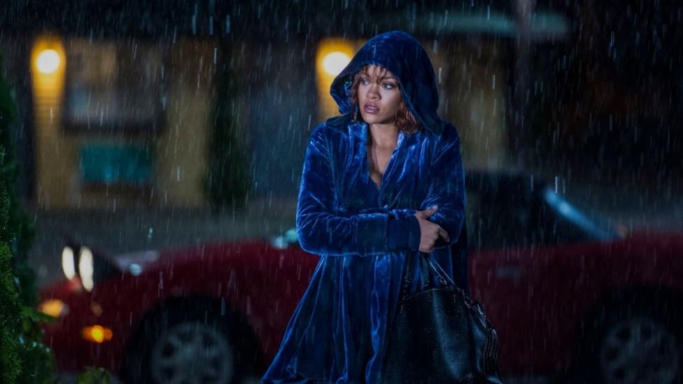 'Rihanna klaagt haar vader aan'