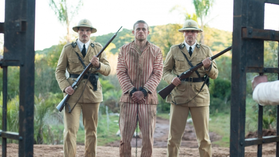 Blu-ray review: Charlie Hunnam breekt uit in 'Papillon'