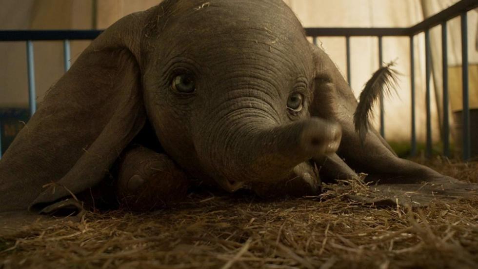 'Dumbo' steelt de show in nieuwe trailer