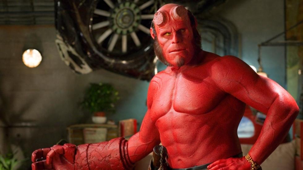 'Brandende' vraag! Kan onze duivelse superheld Hellboy wel seks hebben eigenlijk?