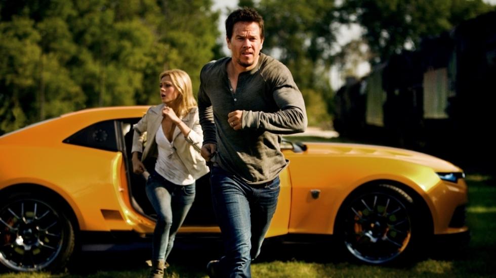 'Bumblebee' regisseur Travis Knight gaat de 'The Six Billion Dollar Man' maken