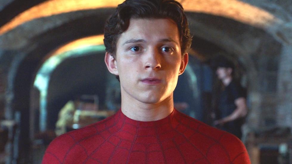 M.J. ontdekt ware identiteit Spider-Man in nieuwe clip 'Far From Home'