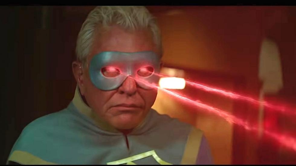 Bejaarde superhelden breken hun tehuis af in trailer 'Supervized'