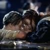 """Leonardo DiCaprio laat ook aan Brad Pitt niets los over """"dubieuze"""" einde 'Titanic' (video)"""