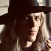 Eerste foto 'Stardust' onthult Johnny Flynn als David Bowie