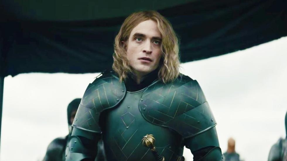 Robert Pattinson over Batman bijnamen en zijn snor in 'The Lighthouse'