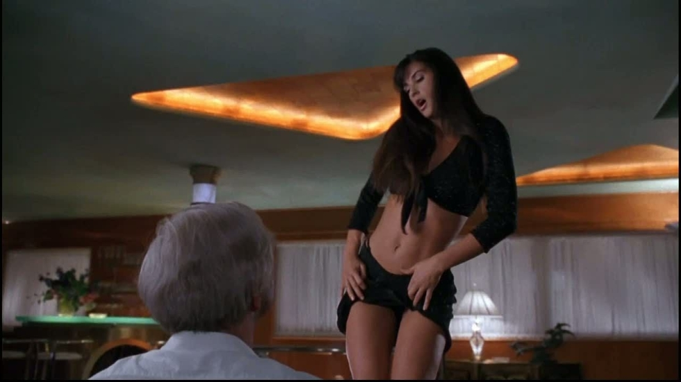 De nog altijd sexy Demi Moore (56) gaat weer naakt!