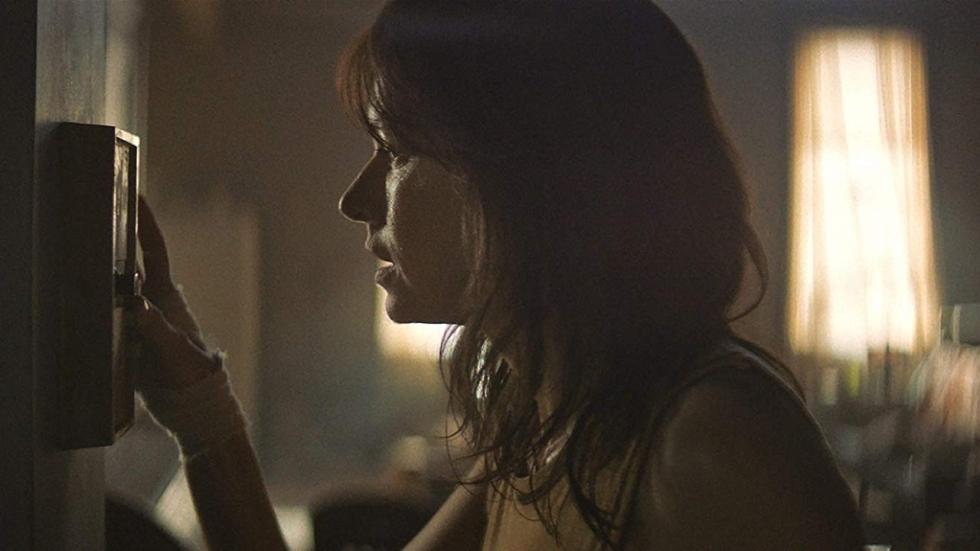 Trailer 'The Wolf Hour': Naomi Watts in bloedheet appartement gedurende de Summer Of Sam Blackout-rellen