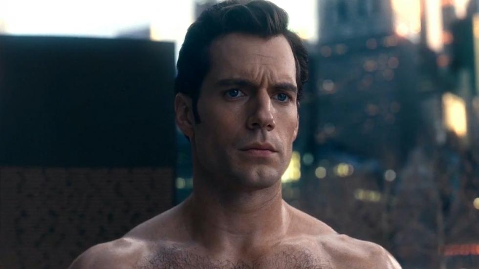 Nieuwe foto van Superman met snor opgedoken