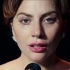 Lady Gaga als stijlvol bruidsmeisje in geheel roze