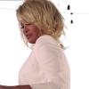 Pamela Anderson (52) in uitdagend wit badpak voor Maxim-fotoshoot