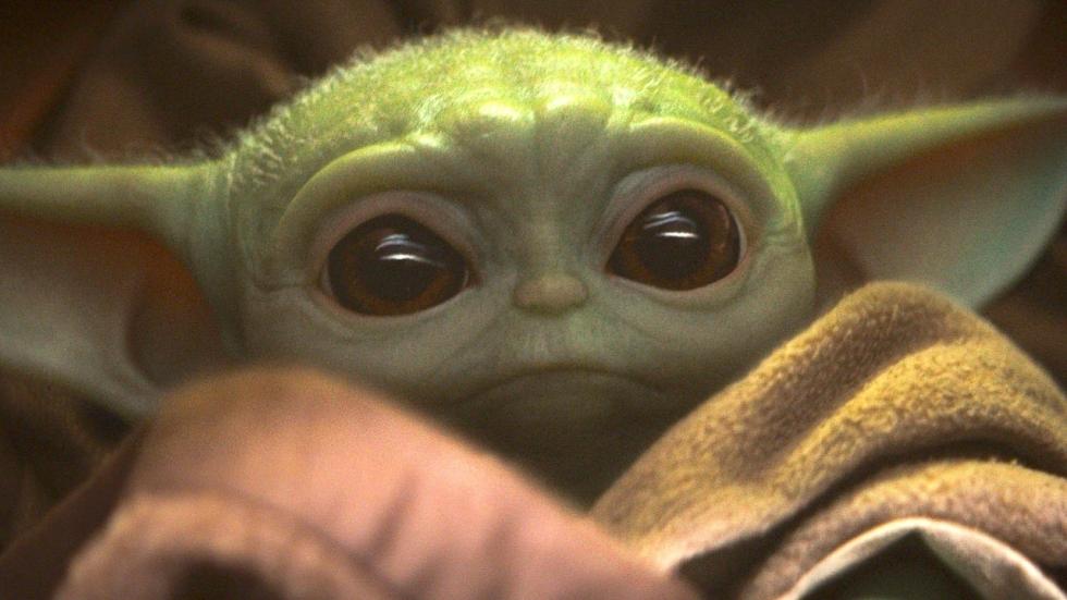 Baby Yoda blijkt toch niet zo schattig op deze enge foto!