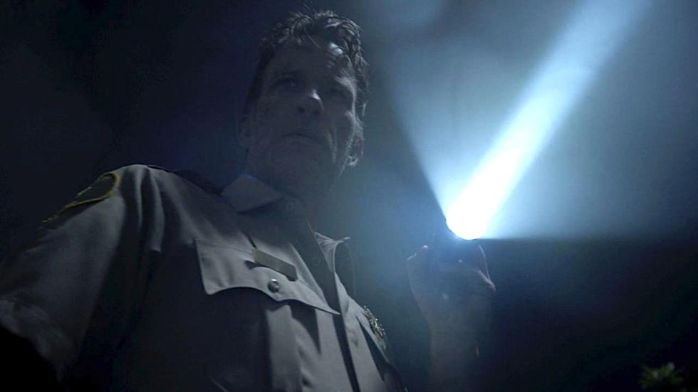 Nostalgische trailer en stijlvolle poster voor weerwolf-thriller 'Hunter's Moon'