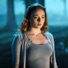 Marvel-actrice Sophie Turner in heel kort jurkje