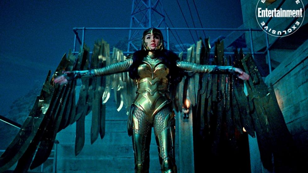 Gevleugelde Gal Gadot op foto's 'Wonder Woman 1984'