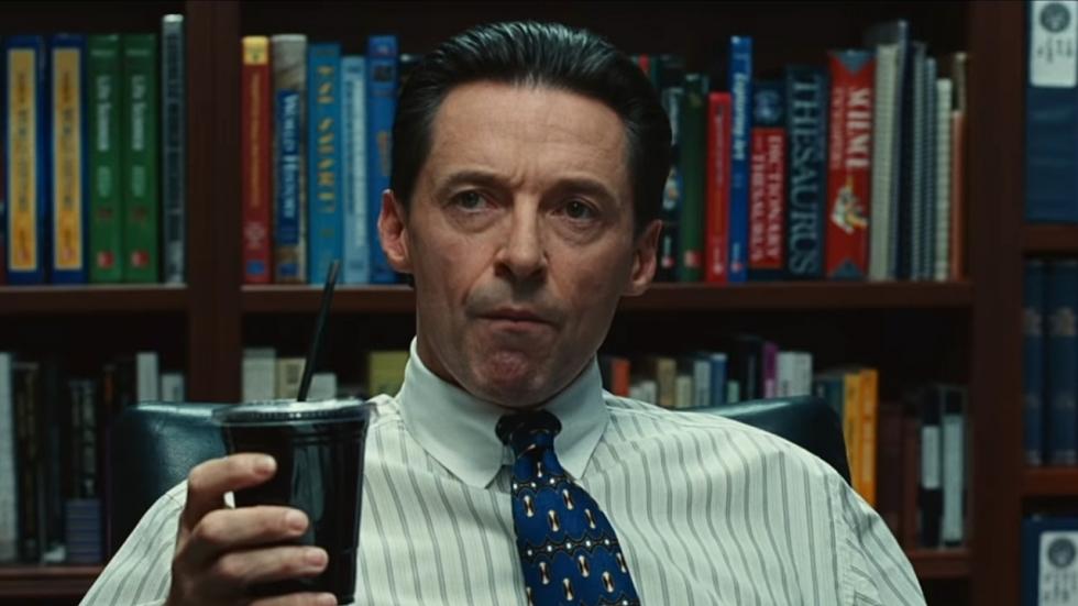 Hugh Jackman als gehaaide oplichter in eerste trailer 'Bad Education'