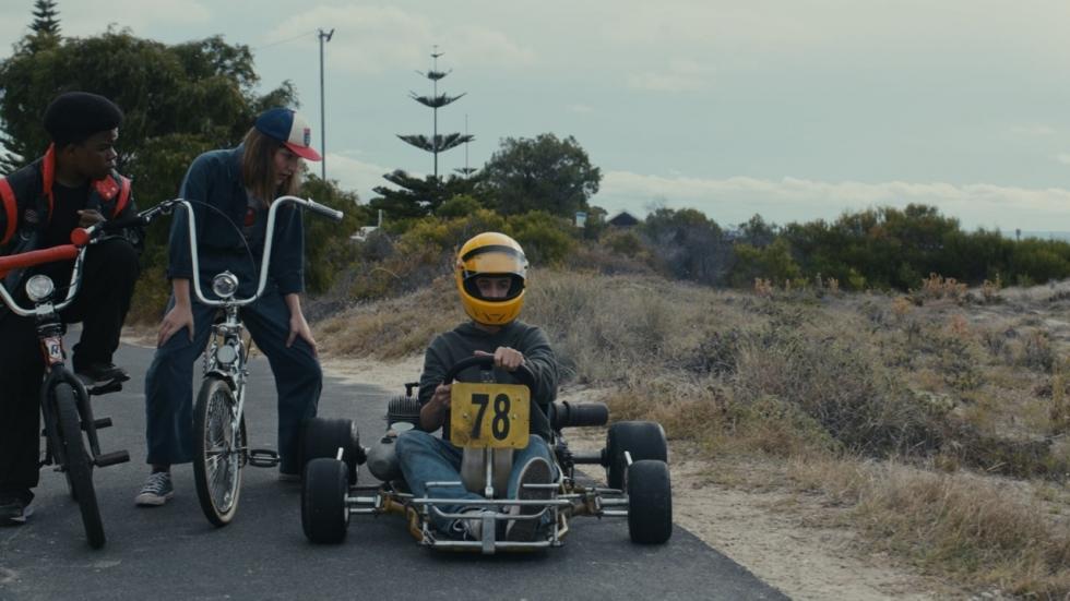 Scheur mee met de pijlsnelle trailer van Netflix-film 'Go Karts'
