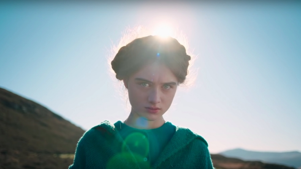 Michiel Huisman als duistere sekteleider in trailer 'The Other Lamb'