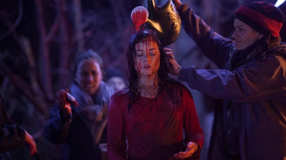 Gruwelijke foto's van de set van 'Evil Dead' uit 2013