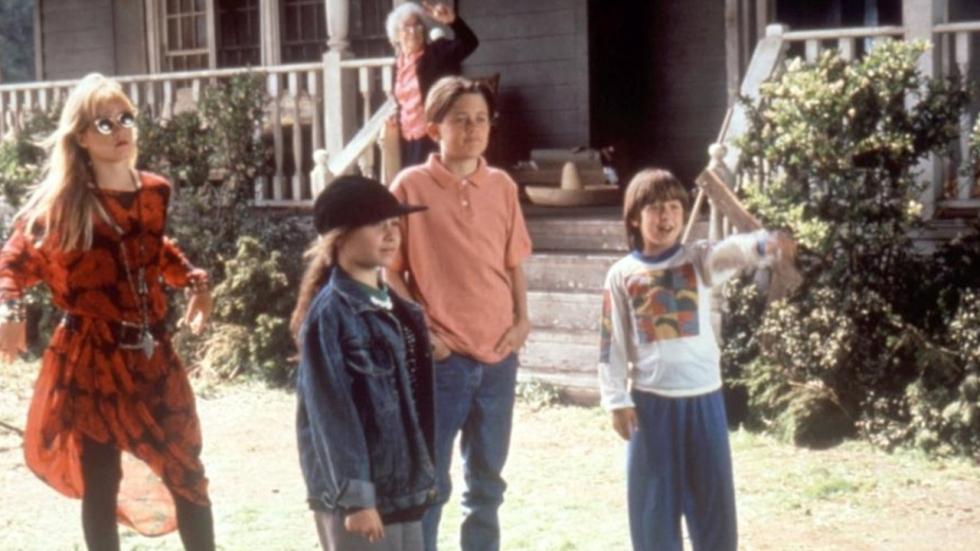 Remake van 'Don't Tell Mom the Babysitter's Dead' in de maak