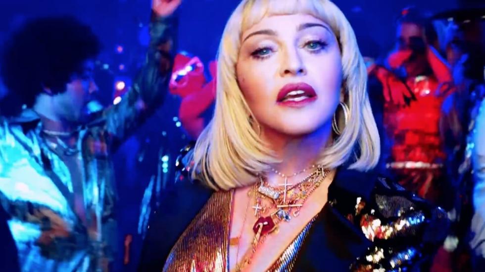 Madonna deelt (aanstootgevende?) foto in doorschijnende lingerie
