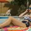 Zwangere Marvel-actrice Sophie Turner in een kort zomers jurkje