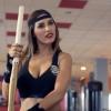 Yolanthe Cabau laat haar strakke lichaam zien